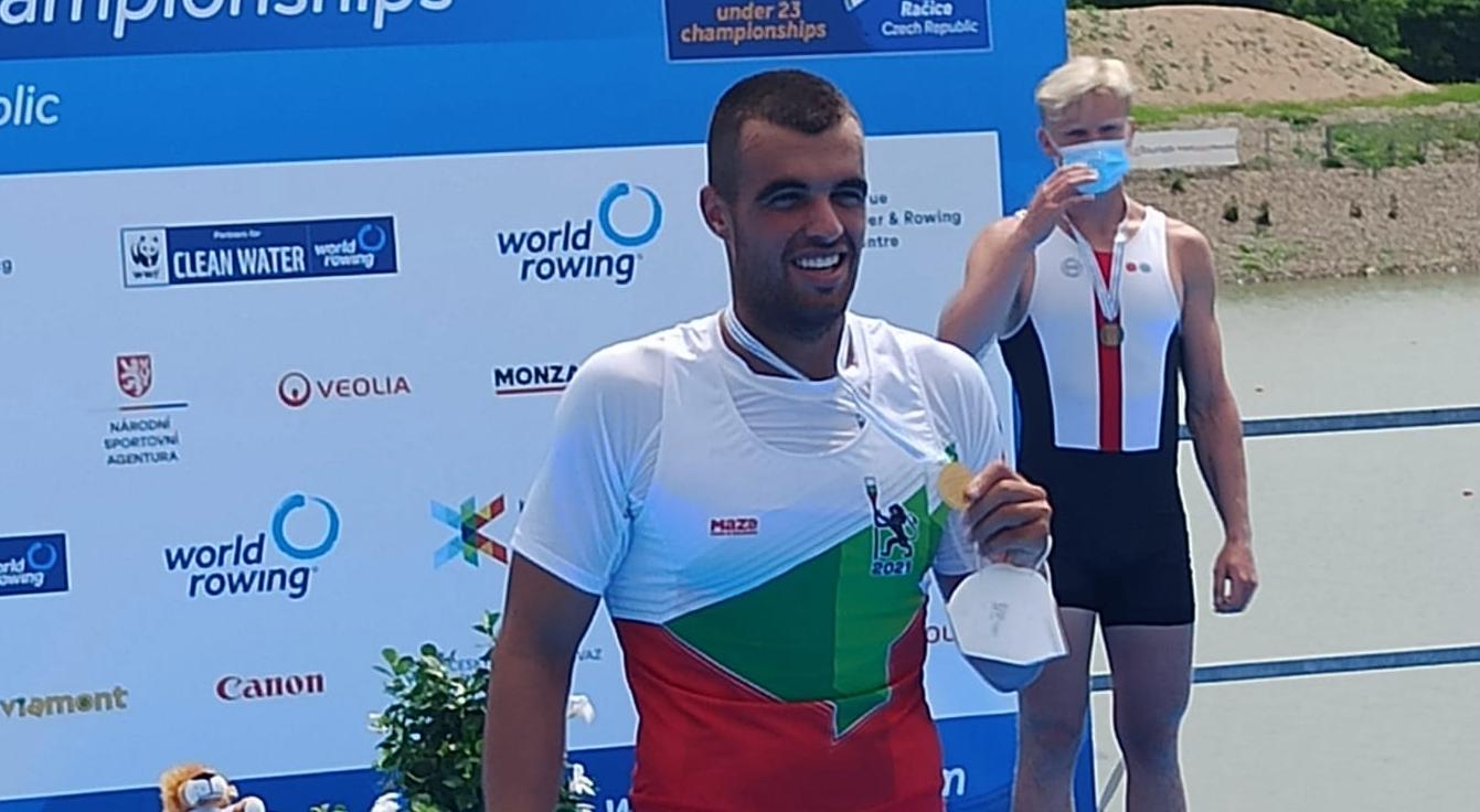 Емил Нейков със световна титла в гребането