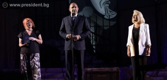 Президентът Румен Радев във Варна: Българските творци градят моралните устои на нашето общество