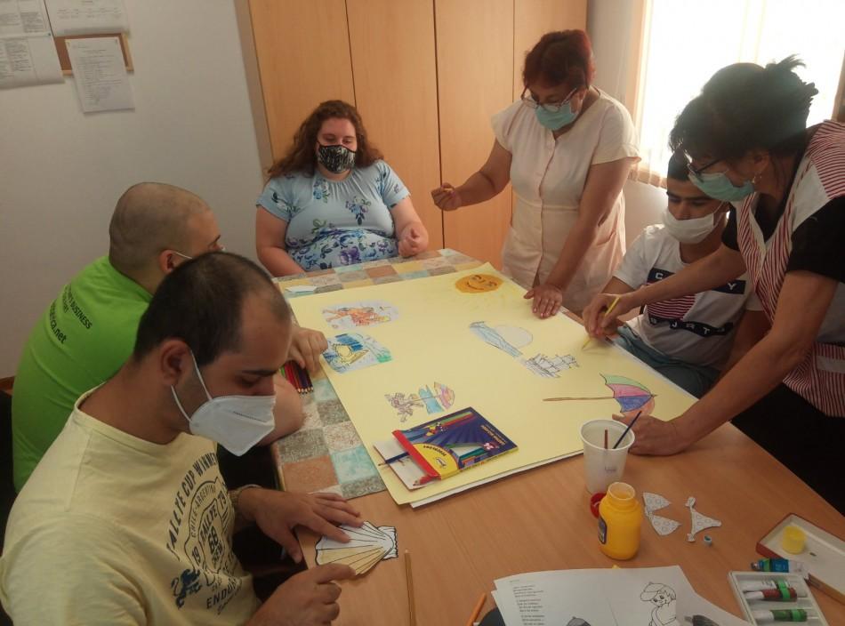 """60 лица получават здравни и социални услуги в Център за подкрепа на лица с увреждания в кв. """"Аспарухово"""""""