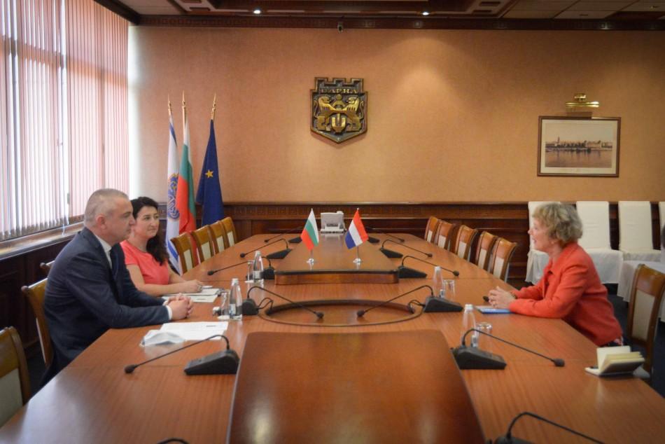Посланикът на Нидерландия – с висока оценка за сътрудничеството между Варна и Дордрехт