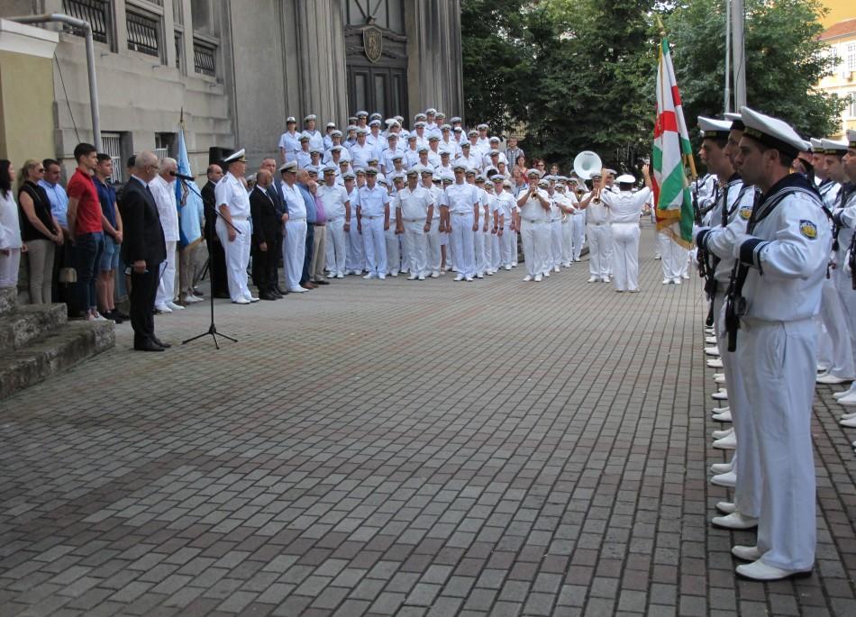 Почетоха с военен ритуал 130 години от рождението на контраадмирал Иван Вариклечков