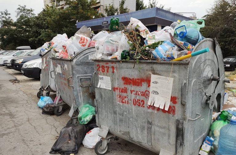 Искат извънредна сесия за кризата с боклука във Варна