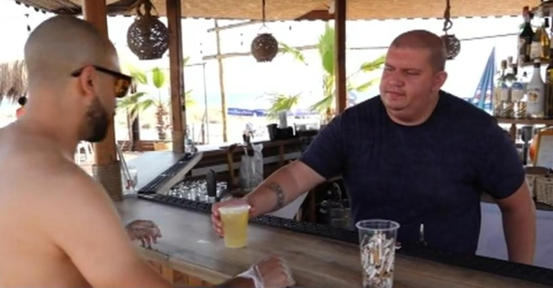 Плажен бар в Поморие дава питие срещу събрани фасове