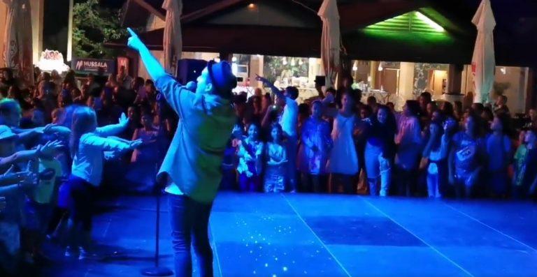 Аксаково отбеляза празника на града с концерт на Рафи и пищна заря