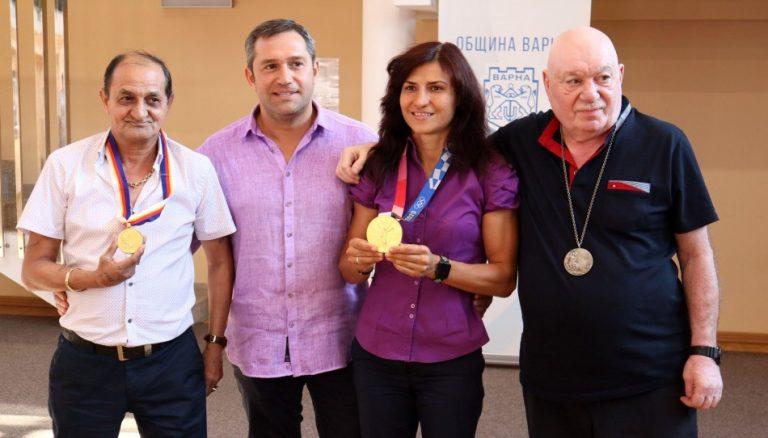 Приветстваха олимпийската шампионка Стойка Кръстева във Варна