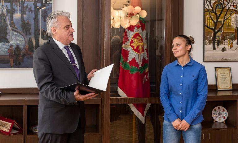Олимпийската шампионка Ивет Горанова вече е част от редиците на МВР
