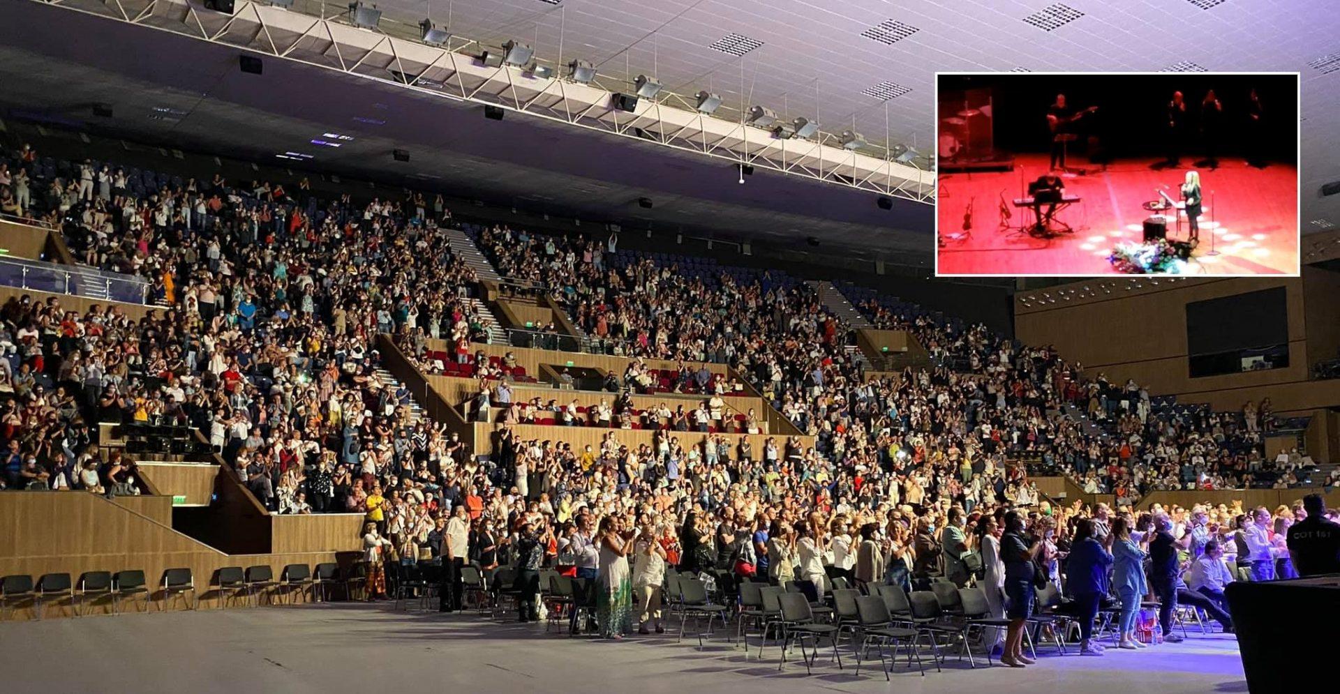 Лили Иванова започна турнето си с голям концерт във Варна