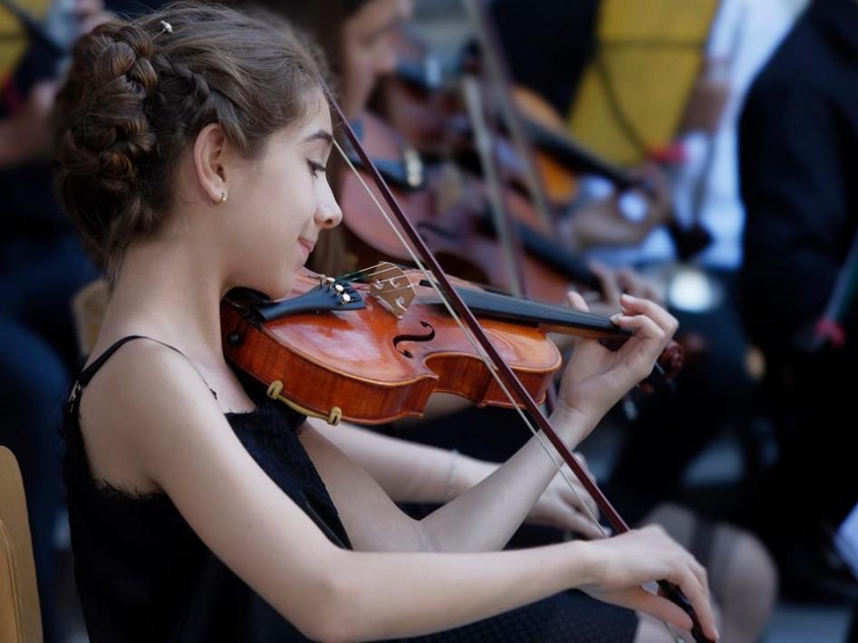 """Оркестърът на НУИ """"Добри Христов"""" – с концерт за награда """"Варна"""""""